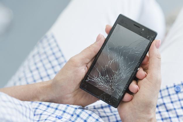 ochrona telefonu przed upadkiem